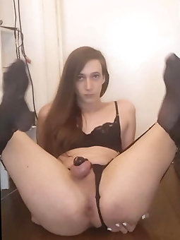 Sexy tran sissy alyssaa loves exposing to you