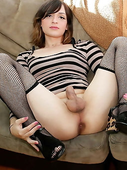 Tranny babes are fingering their wet hole